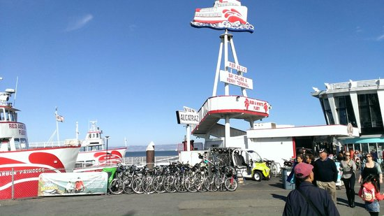 Fisherman's Wharf : One of the piers and departure point for Alcatraz
