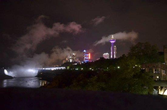 Super 8 Niagara Falls: La vista dalla camera