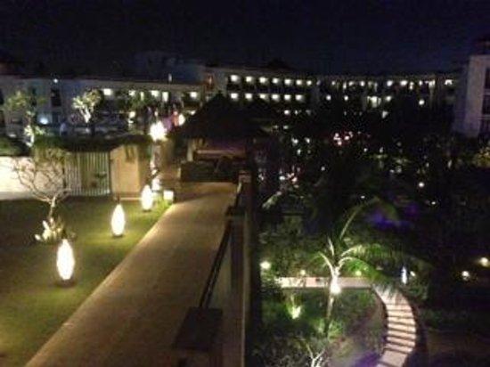 Pullman Bali Legian Beach: Vista noturna da varanda