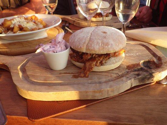 Crooklets Inn: Pulled Pork Burger