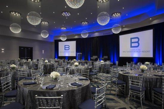 B Resort & Spa: Ballroom Rounds Setup
