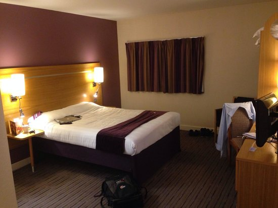 Premier Inn Manchester Airport (M56/J6) Runger Lane South: Bedroom view