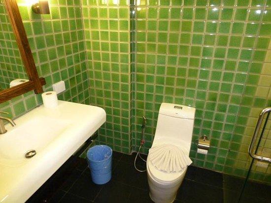 CC's Hideaway: Bathroom