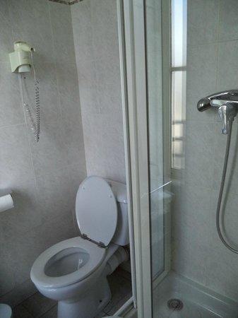 Alexandrine Opera: The bathroom