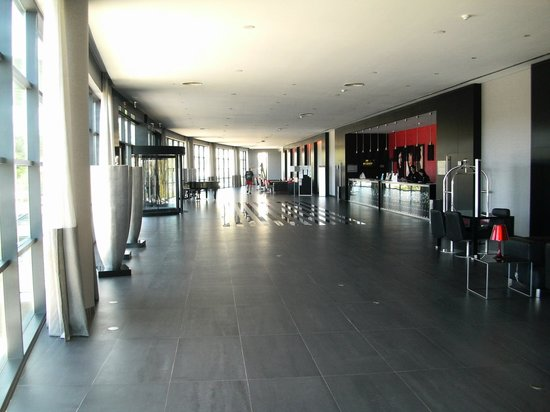 Vila Gale Lagos: Reception Area at Vila Gale Hotel