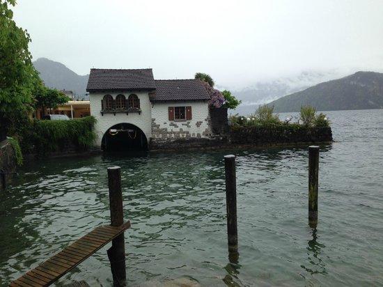 Seehof du Lac Hotel: Das kleine Privathaus direkt neben dem kleinen Hotel-Bootsbecken