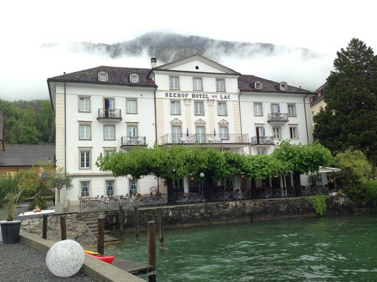 Seehof du Lac Hotel: Hotel Seefrontansicht