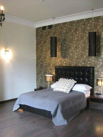 Hotel L'Avenida: Room