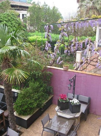 Hotel L'Avenida: garden
