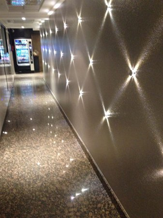 Hotel Acropole : Couloir de l'hôtel