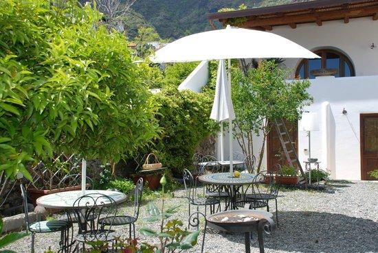 Hotel I Cinque Balconi: giardino