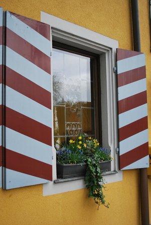 Hotel Rappen Rothenburg ob der Tauber: Hotel windows