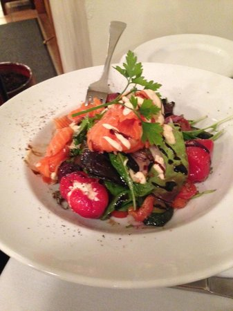 Lakeland House Restaurant: salmon salad [as a main]