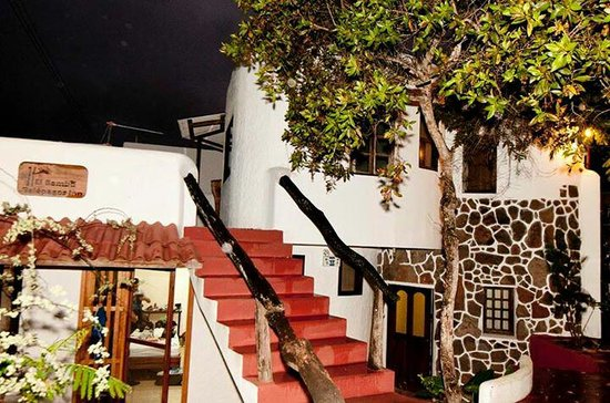 El Bambu Galapagos Inn