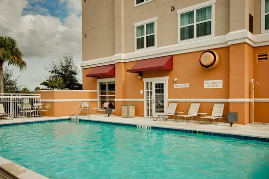 Residence Inn Clearwater Downtown: Pool