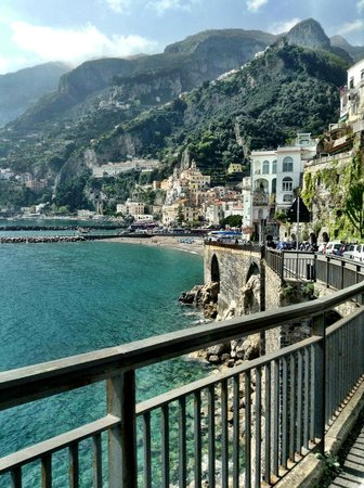 Sorrento House Travel : I literally took this shot while Gaetano was driving.