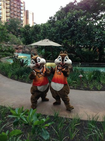 Aulani, a Disney Resort & Spa: Chip and Dale