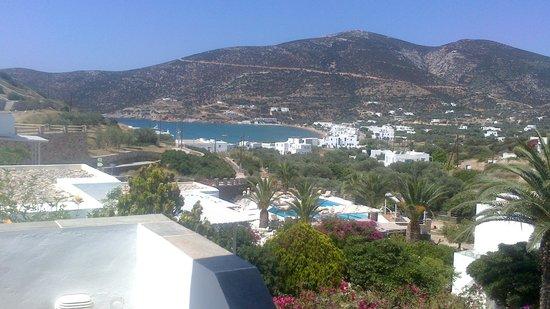 Alexandros Hotel : άποψη του ξενοδοχείου τη μέρα