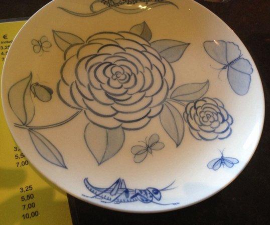 Wapa Tapa : Love the plates in Wata Tapa...