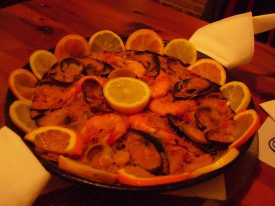 Restaurante La Chalana: Seafood paella