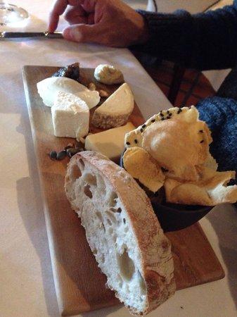 Haute Cabriere Restaurant : Cheese platter
