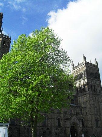 Durham Cathedral: Fotografia ripresa dalla piazza antistante la cattedrale
