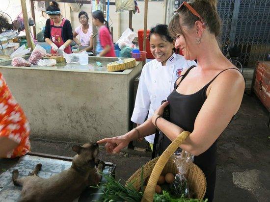 Chef LeeZ Thai Cooking Class : Market cats