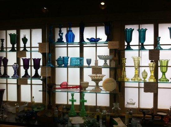 Sandwich Glass Museum: Blown Glass