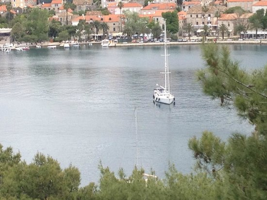 Hotel Croatia Cavtat : view from part of the hotel grounds