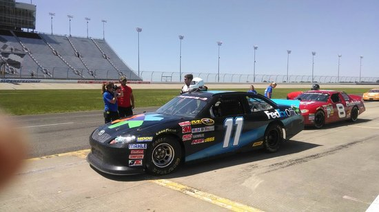 Rusty Wallace Racing Experience: i am in the 11