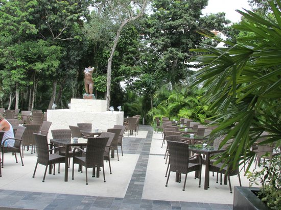 Luxury Bahia Principe Sian Ka'an Don Pablo Collection: outdoor seating