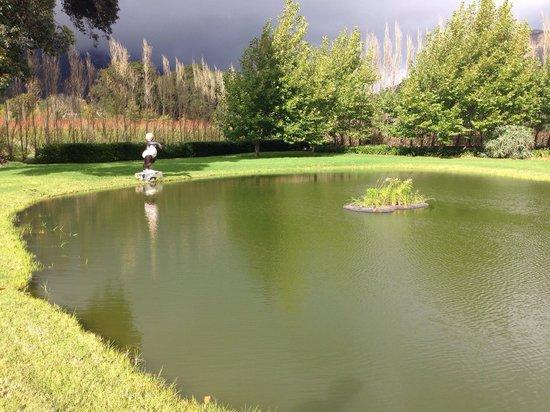 La Petite Dauphine: Lake