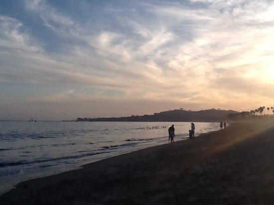Inn At East Beach: east beach at sunset