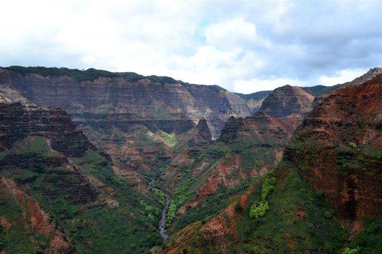 Mauna Loa Helicopter Tours: waimea canyon