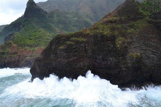 Mauna Loa Helicopter Tours: huge crashing waves off the napali coast
