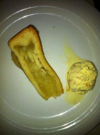 Triple House Restuarant: apple pie and caramel ice cream