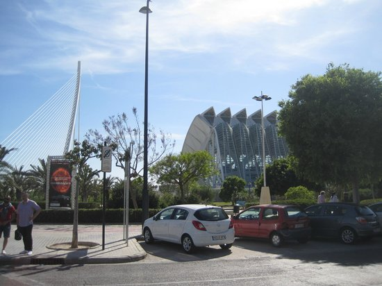 Valencia Center Hotel: Entering the City of Arts and Sciences
