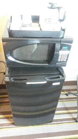 Super 8 Waynesboro: Microfridge+Microwave+ Coffeepot Combo