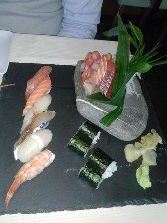 Basara Milano - Sushi Pasticceria : sushi misto