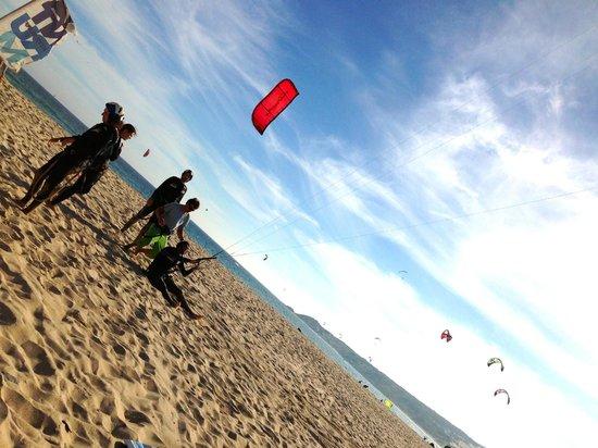 Tantrum Kitesurf: Tormod practising flying the kite under the instruction of Nick.