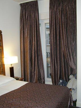 Hotel Nicolo: VENTANA
