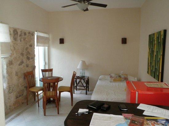 Villas El Encanto: living room from kitchen