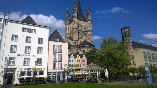 Rhein Hotel St.Martin : Great Locatton!