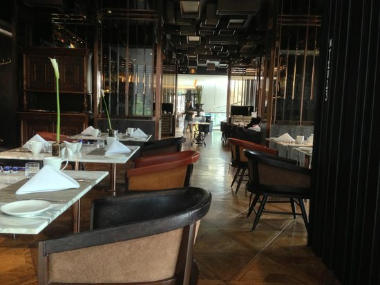 Hilton Sukhumvit Bangkok: Breakfast at Scalini's
