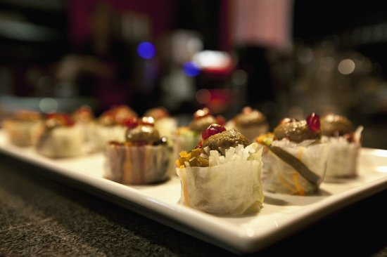 House of Moments: Persian roll