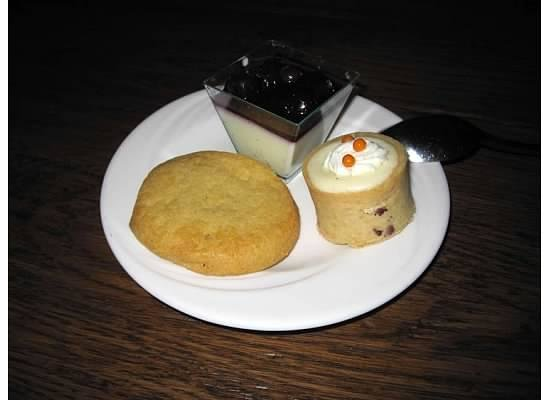 Disney's Animal Kingdom Lodge: Mini desserts