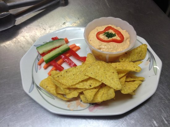 The Sulby Glen Hotel: red pepper Houmus