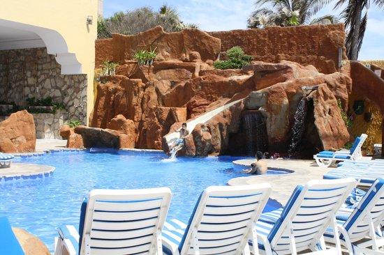 Royal Villas Resort: Waterslide fun!