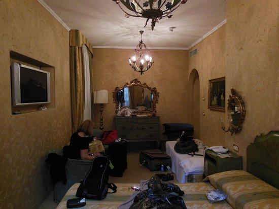 Hotel Concordia: habitacion