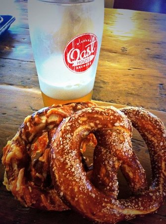 The Pie Plate : Homemade Beer Pretzels